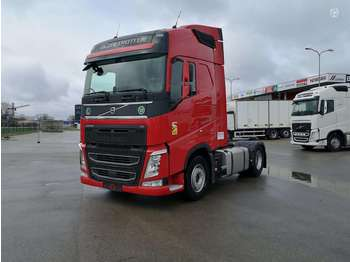 Trekkvogn Volvo FH 500 i Cool Park, double sleeper